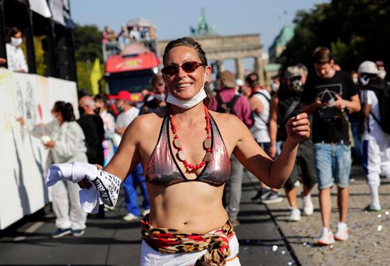 2020-09-21T133004Z_1429857646_RC213J97B05R_RTRMADP_3_GERMANY-PROTEST-(1)