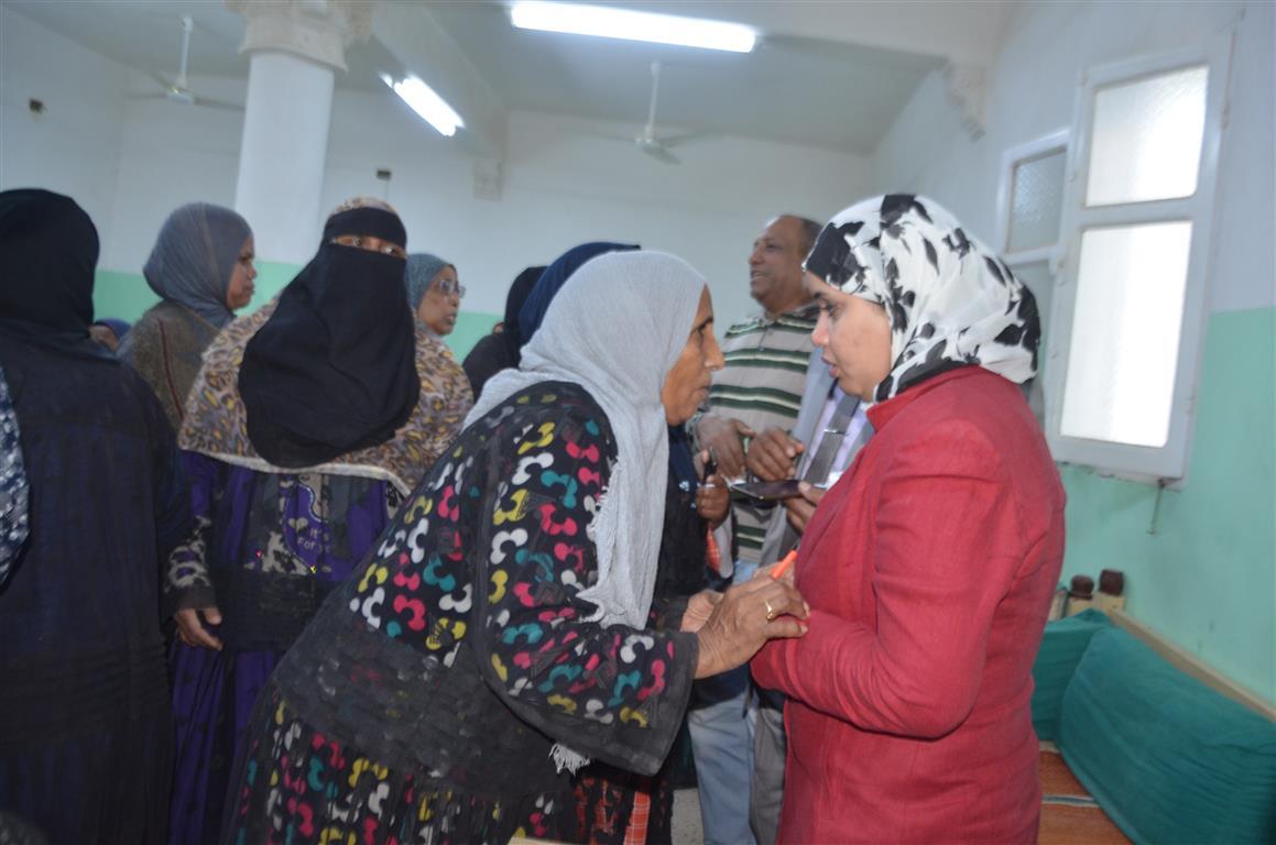 كيف دعمت مبادرة حياة كريمة بالأقصر 3 قرى  (3)