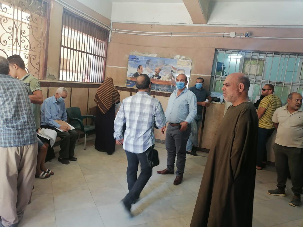إقبال المواطنين على تقدي طلبات التصالح في مخالفات البناء 8