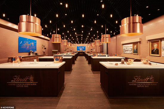 33245700-8744197-Inside_the_museum_s_Chocolateria_where_visitors_can_make_their_o-a-186_1600439637488