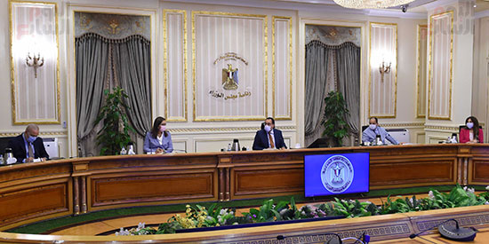 اجتماع بشأن تطوير المدن القائمة في المحافظات (3)