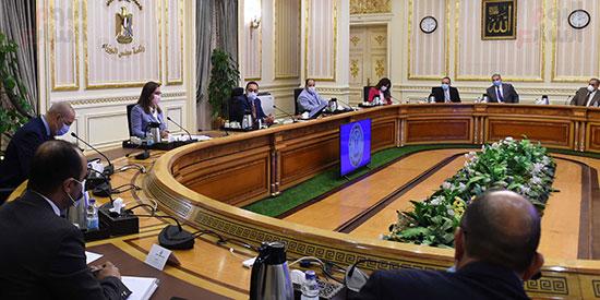 اجتماع بشأن تطوير المدن القائمة في المحافظات (1)