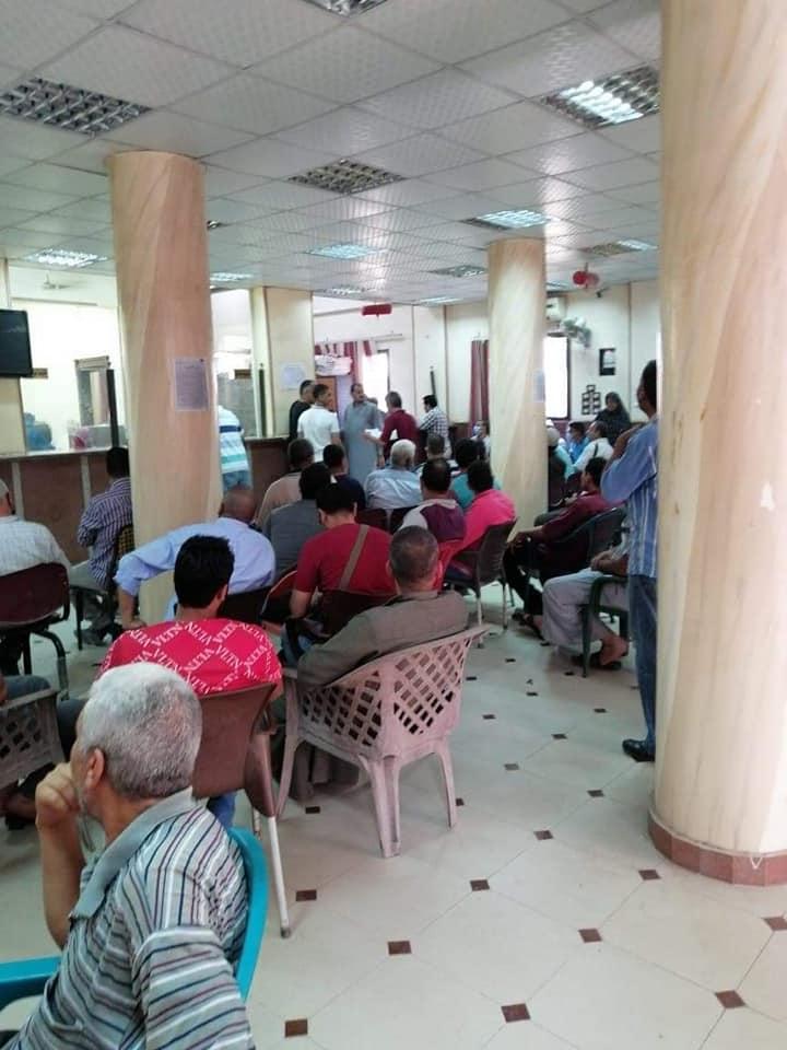 إقبال المواطنين على تقدي طلبات التصالح في مخالفات البناء 2
