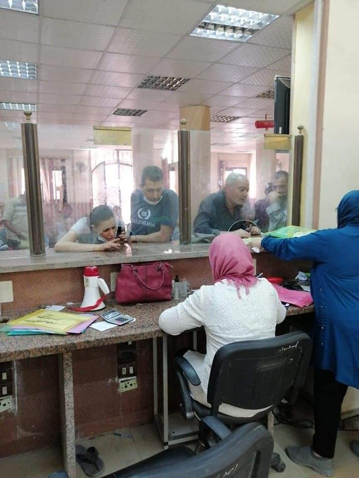 إقبال المواطنين على تقدي طلبات التصالح في مخالفات البناء 3