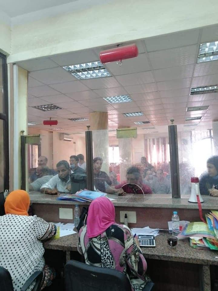 إقبال المواطنين على تقدي طلبات التصالح في مخالفات البناء 6