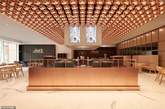 33245698-8744197-Lindt_Home_of_Chocolate_has_the_first_ever_Lindt_cafe_in_Switzer-a-188_1600439637494