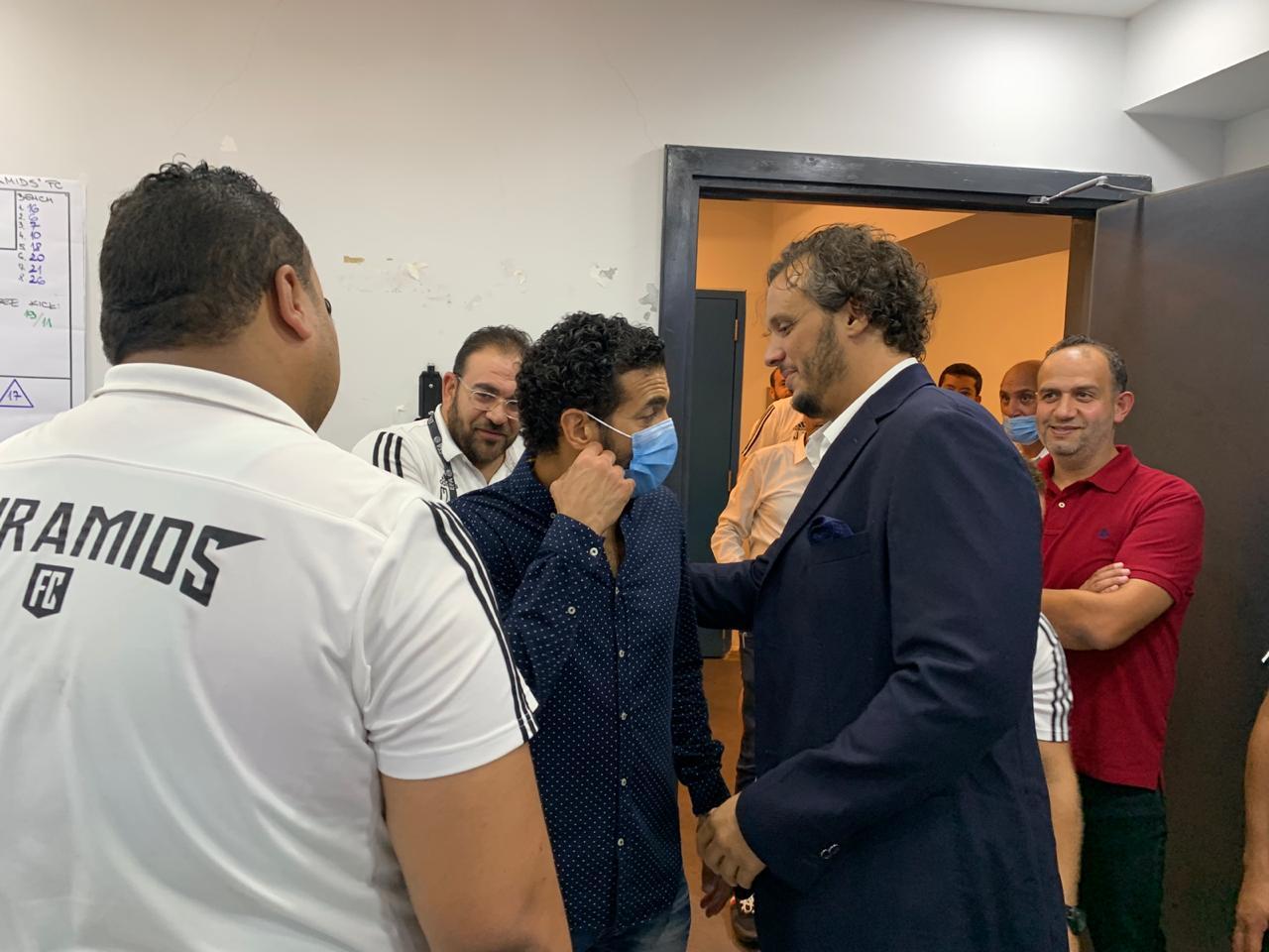 ممدوح عيد يهنئ لاعبى بيراميدز بالثلاثية فى شباك الإسماعيلى (1)