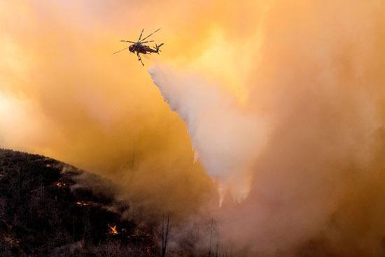 مكافحة الحرائق بالطائرات الهليكوبتر