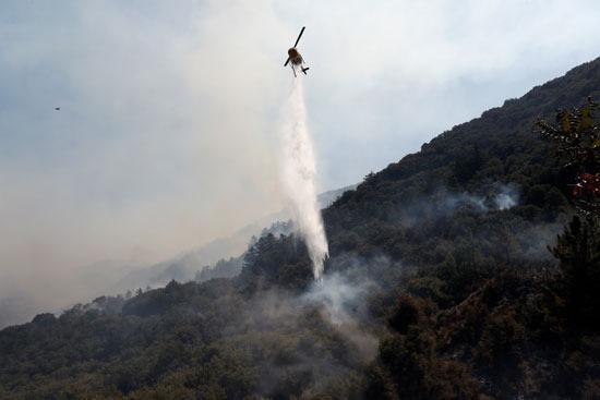 طائرة تساعد فى اطفاء الحرئق