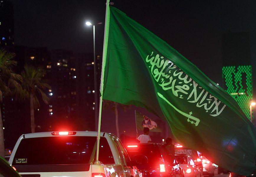 أهالى جدة السعودية يشاركون فى احتفالات اليوم الوطنى الـ90 (4)