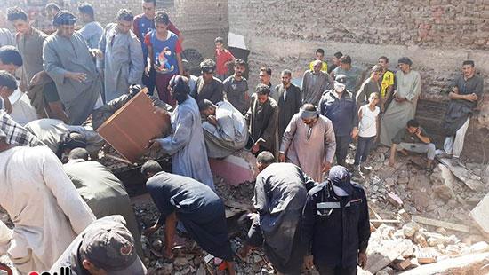 حادث انهيار منزل بسوهاج (2)
