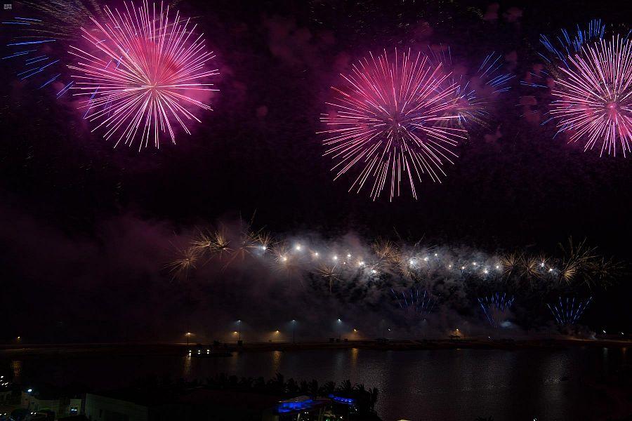 أهالى جدة السعودية يشاركون فى احتفالات اليوم الوطنى الـ90 (2)