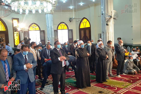 وزير الأوقاف ومفتى الجمهورية يفتتحان مسجد التقوى بالبحيرة 2