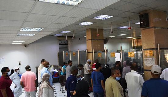 المحافظات تواصل استقبال طلبات التصالح فى مخالفات البناء بعد مد فترة التقديم لنهاية أكتوبر (7)