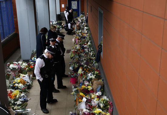 2020-09-26T144620Z_1215603047_RC2E6J9ZFKIR_RTRMADP_3_BRITAIN-POLICE-SHOOTING