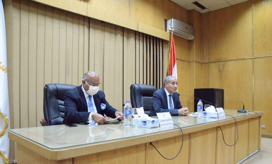 وزير التموين ومساعد أول الوزير  (3)