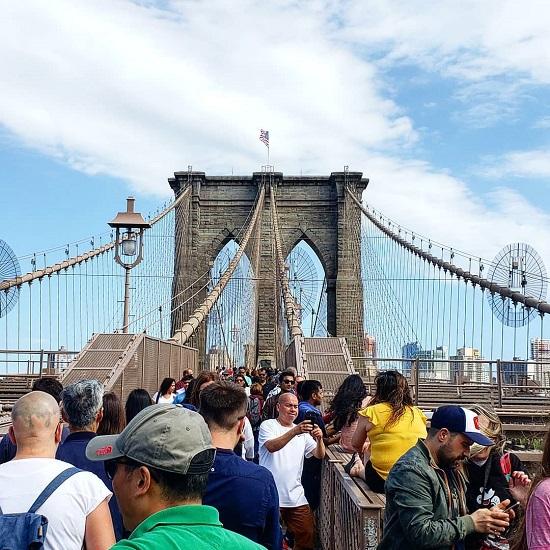 جسر بروكلين (نيويورك) في الواقع