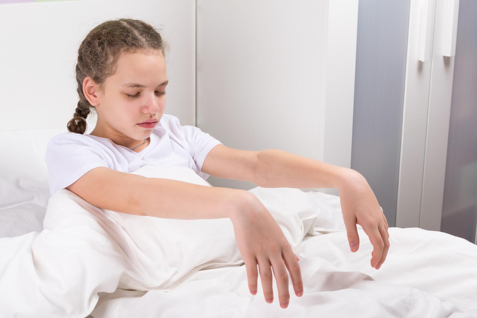 child-is-sleepwalking
