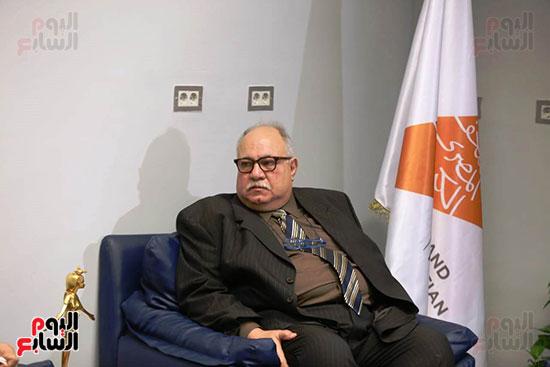 معمل الترميم بالمتحف المصرى الكبير يتسلم شهادة الأيزو للصحة والسلامة (1)