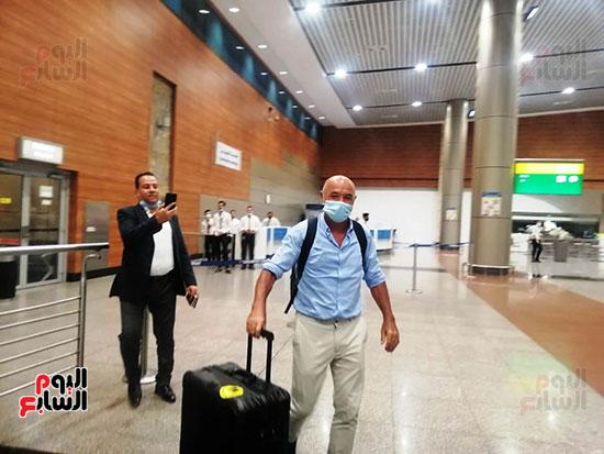 باتشيكو فى المطار