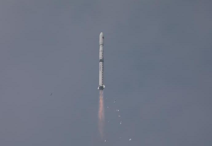 إطلاق الصاروخ