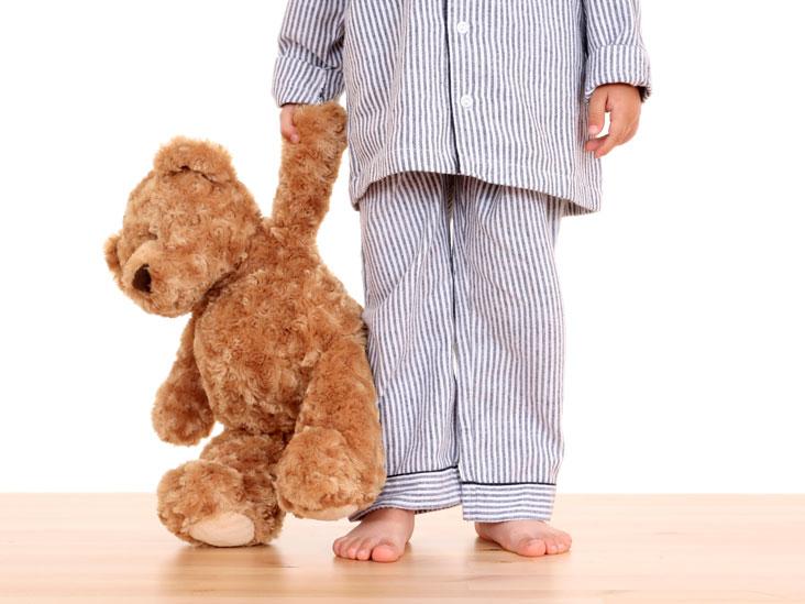 أسباب المشي أثناء النوم عند الأطفال