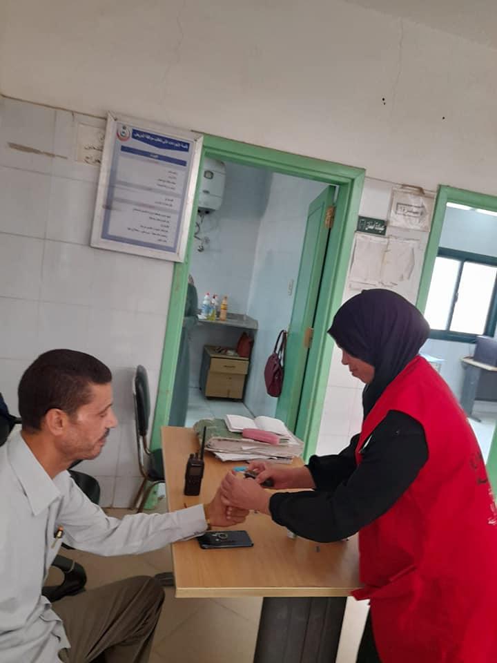 مبادرة 100مليون صحة تجوب مراكز منفلوط وأبوتيج  (5)