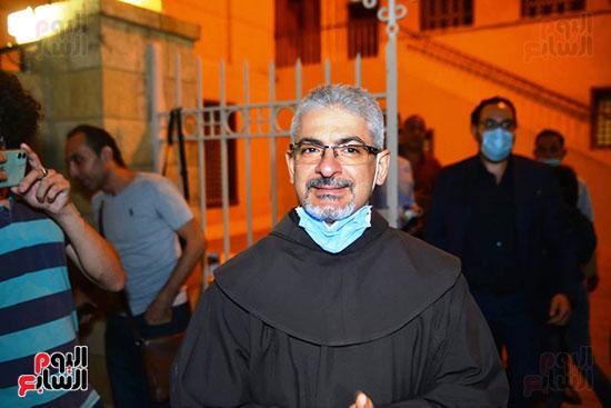 الأب بطرس دانيال رئيس المركز الكاثوليكى للسينما فى العزاء
