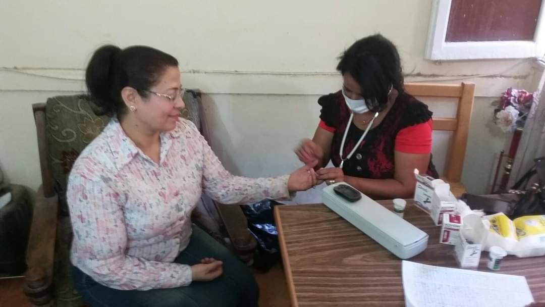 مبادرة 100مليون صحة تجوب مراكز منفلوط وأبوتيج  (6)