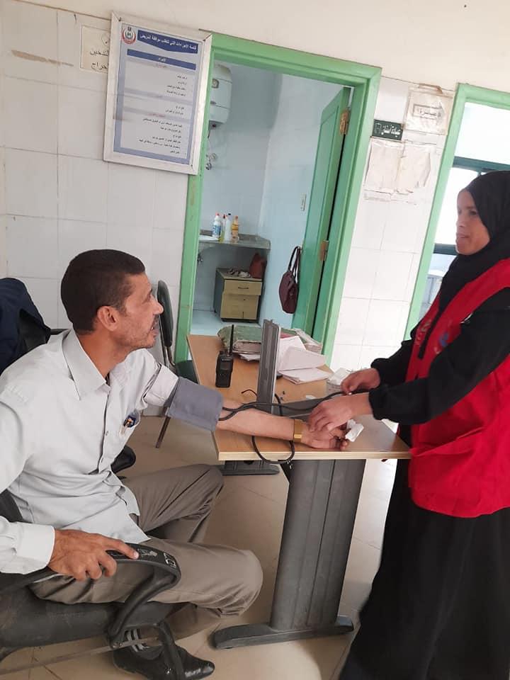 مبادرة 100مليون صحة تجوب مراكز منفلوط وأبوتيج  (8)