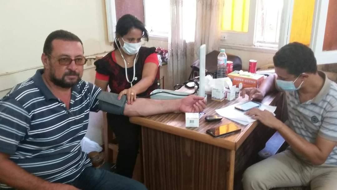 مبادرة 100مليون صحة تجوب مراكز منفلوط وأبوتيج  (4)