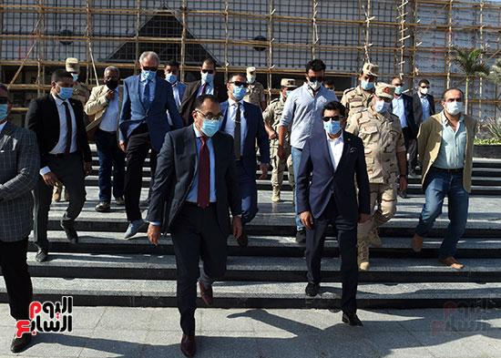 أعمال تطوير مجمع الصالات المغطاة باستاد القاهرة الدولى (8)