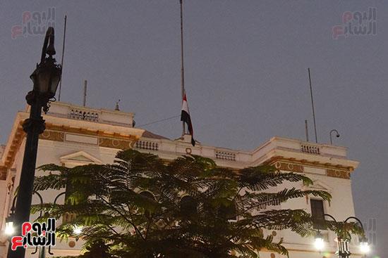 مجلس النواب ينكس العلم حداداً على رحيل أمير دولة الكويت (1)