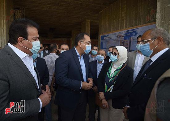 جولة رئيس الوزراء مصطفى مدبولى (13)