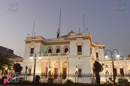 مجلس النواب ينكس العلم حداداً على رحيل أمير دولة الكويت (3)