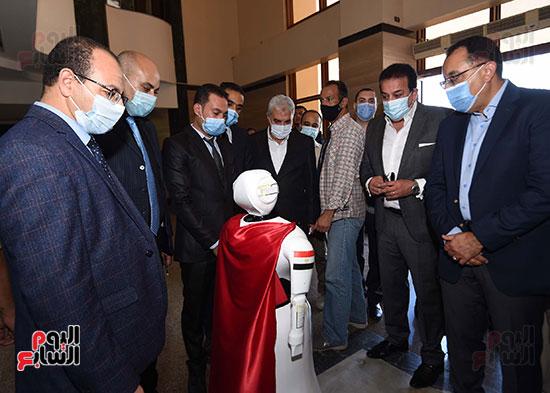جولة رئيس الوزراء مصطفى مدبولى (19)