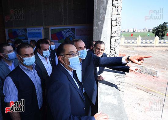 جولة رئيس الوزراء مصطفى مدبولى (14)