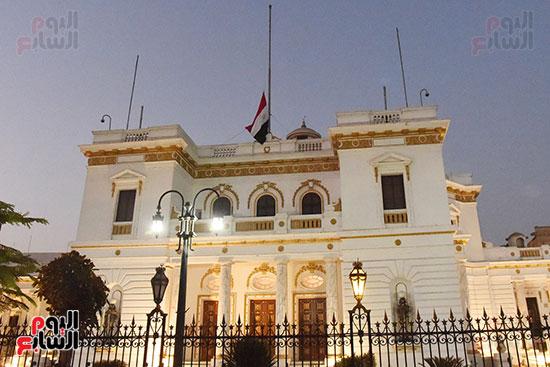 مجلس النواب ينكس العلم حداداً على رحيل أمير دولة الكويت (4)