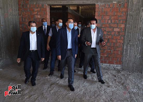 جولة رئيس الوزراء مصطفى مدبولى (9)