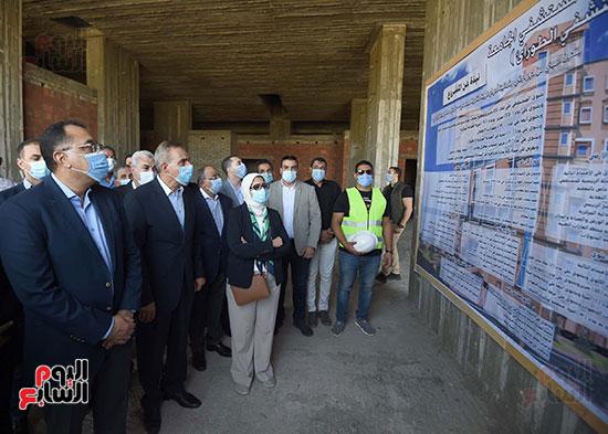 جولة رئيس الوزراء مصطفى مدبولى (12)