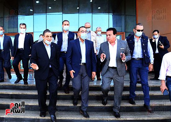 جولة رئيس الوزراء مصطفى مدبولى (17)