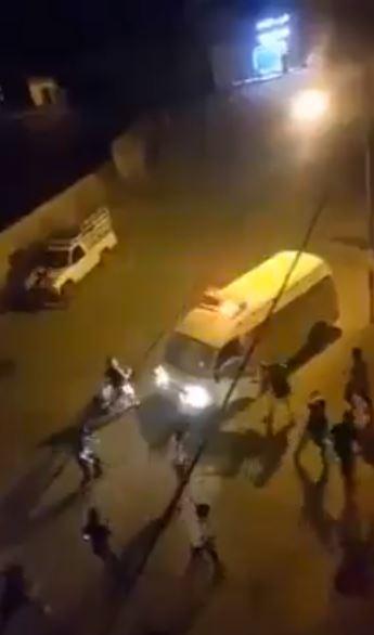 لحظة الاعتداء على رجال الأمن في الأردن