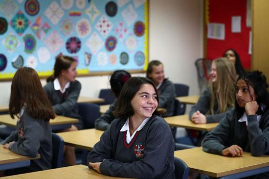 عودة المدارس فى بريطانيا