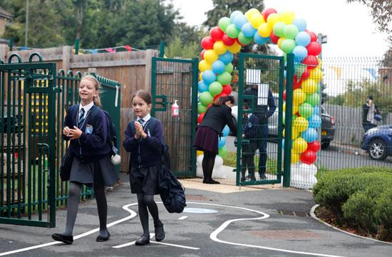 المدارس تعود فى بريطانيا بعد غياب بسبب كورونا