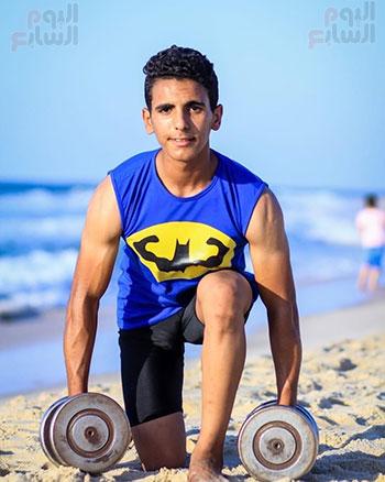 سمير أصغر لاعب كمال أجسام فى سيناء  (7)