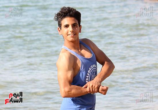 سمير أصغر لاعب كمال أجسام فى سيناء  (9)