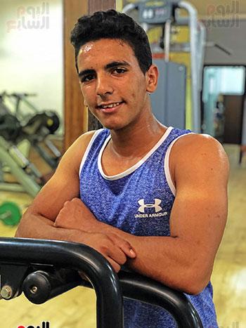 سمير أصغر لاعب كمال أجسام فى سيناء  (8)
