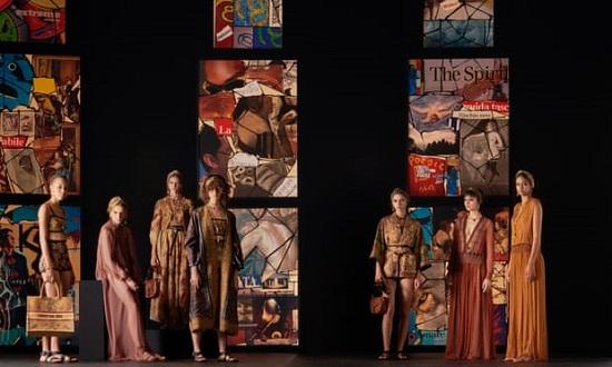 عرض Christian Dior بأسبوع الموضة في باريس