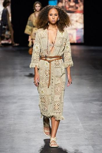 عرض أزياء ديور بأسبوع الموضة في باريس