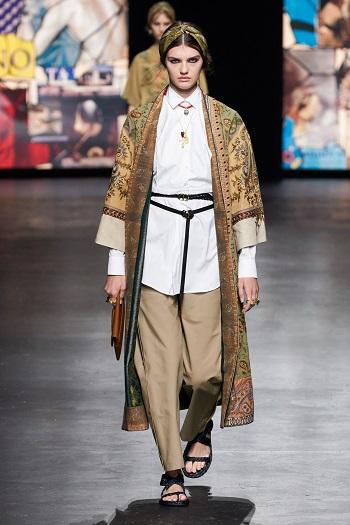 عرض أزياء Christian Dior